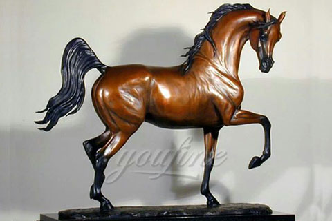 Handmade best quality hot sale bronze horse figurine for garden ornaments